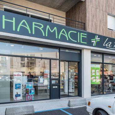 ONET LE CHATEAU : transfert et agrandissement pour la Pharmacie de la Baleine